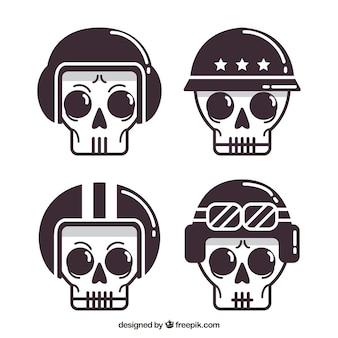 フラットデザインのヘルメットで4頭の頭蓋骨のセット