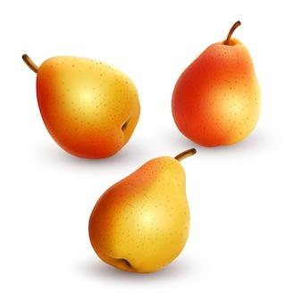 Набор свежих и желтых груш на белом