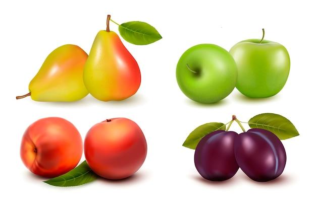 Набор свежих фруктов, изолированные на белом фоне