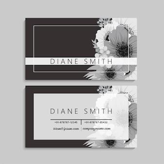 꽃과 함께 비즈니스 카드의 앞면과 뒷면 세트