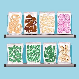 Набор замороженных продуктов на дисплее на полке