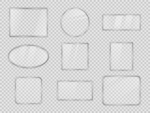 透明な背景にさまざまな幾何学的な形のガラスプレートのセット。ベクトルイラスト。
