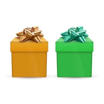Набор зеленых и оранжевых подарочных коробок с бантами