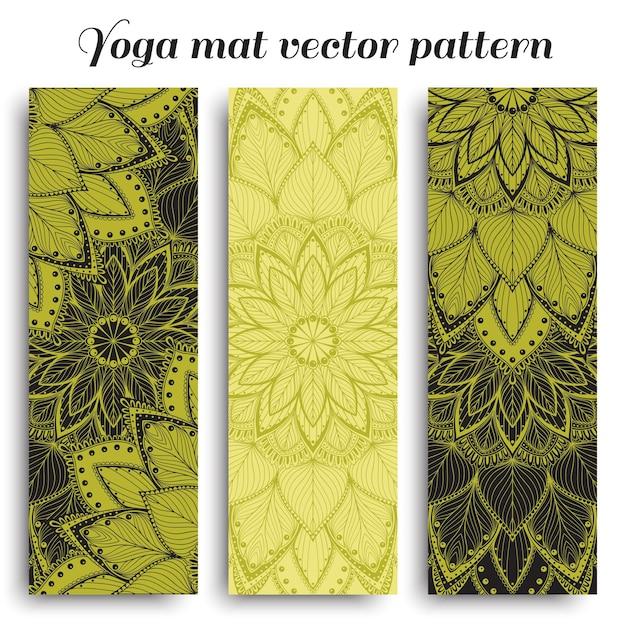 만다라 패턴으로 녹색 요가 매트 세트