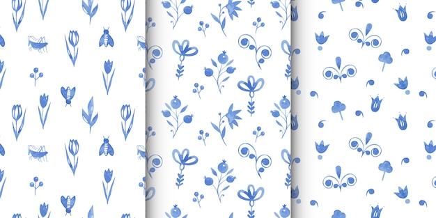 抽象的なネイビーブルーの花と自然の要素を持つ手描き水彩のシームレスパターンのセット