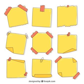 손으로 그린 노란색 노트 세트