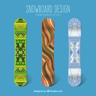 エスニック風の手描きのスノーボードのセット