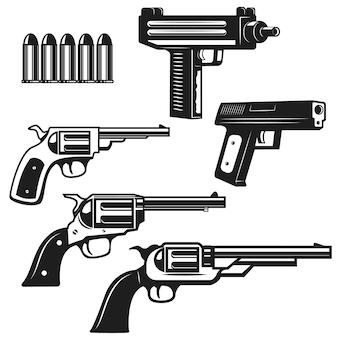 拳銃と白い背景の上の拳銃のセット。ロゴ、ラベル、エンブレム、記号の要素。図