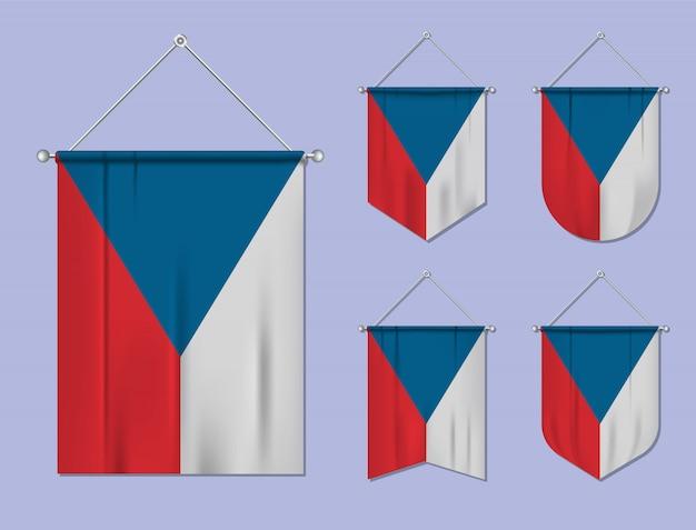 Набор подвесных флагов чехия с текстильной текстурой. разнообразие форм национального флага страны. вертикальный шаблон вымпела