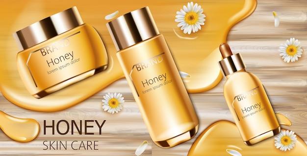 크림, 페이셜 에센스 및 스프레이 병이있는 꿀 화장품 세트