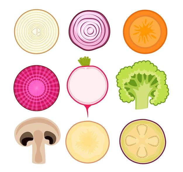 アイコンのセット野菜スライスピンクと白のオニオンリング、ニンジン、ビートルート、大根。ブロッコリー、シャンピニオンマッシュルーム、ジャガイモ、ナスの新鮮なスライスした生野菜。孤立した漫画のベクトル図