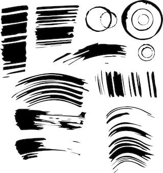 잉크의 인쇄물 세트입니다. 검은색 지문, 선, 격리된 흰색 배경에 얼룩