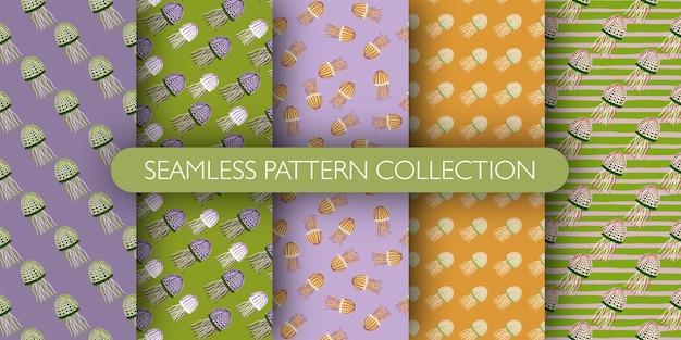 해파리 완벽 한 패턴의 집합입니다. 해저 인쇄 컬렉션. 해양 간단한 삽화. 벽지, 섬유, 포장지, 패브릭 인쇄에 적합합니다.
