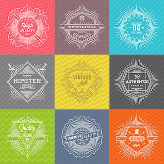 ラインサインと流行に敏感なシンボルとエンブレムのセットと色のパターンの背景に入力