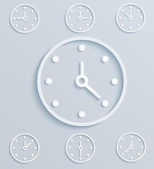 Набор механических часов на светлом фоне