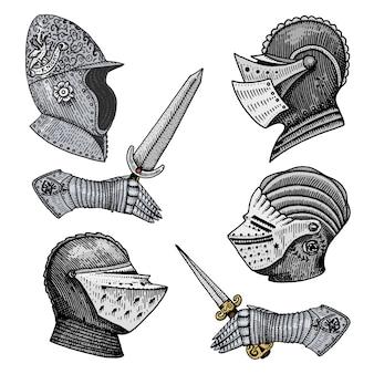 中世のシンボルバトルヘルメットの騎士や王、ヴィンテージ、スケッチ、または木のカットスタイル、古い探しているレトロなローマで描かれた刻まれた手のセットです。