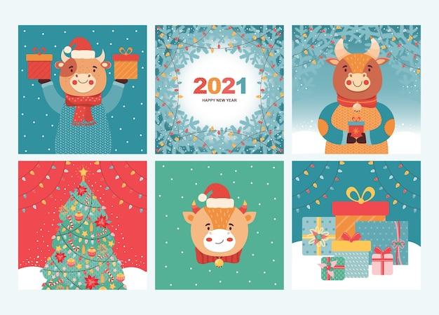 기쁜 성 탄과 새 해 복 많이 인사말 카드와 배너의 집합입니다. 선물, 크리스마스 트리, 소나무 가지, 휴일 화환과 함께 재미있는 황소. 2021 새해 상징 황소. 손으로 그린