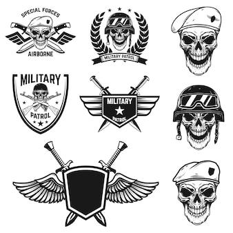空挺部隊の頭蓋骨と軍事エンブレムのセット。ポスター、カード、ラベル、サイン、カード、バナーのデザイン要素。画像