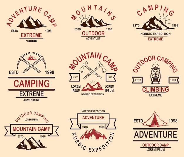 Набор эмблем горных походов. элемент дизайна для логотипа, этикетки, знака, баннера, плаката.