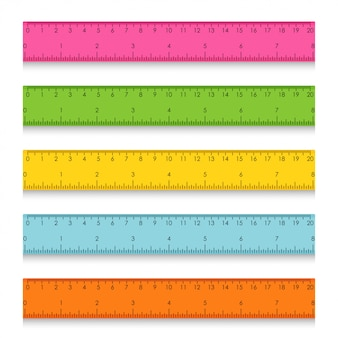 Набор разноцветных школьных измерительных линейок с сантиметрами и дюймами. иллюстрация
