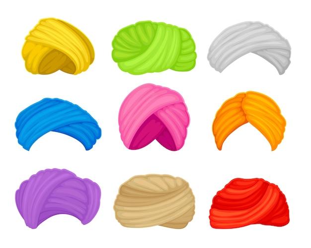 異なる色のイスラム教徒のターバンのセット。白い背景のイラスト。