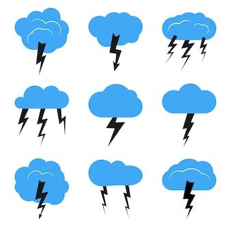 雷雨のある9つの雲のセット。ベクトルイラスト。