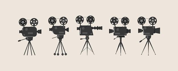 Набор старых проекторов кино на штативе. рисованный эскиз старых кинопроекторов в монохромном режиме