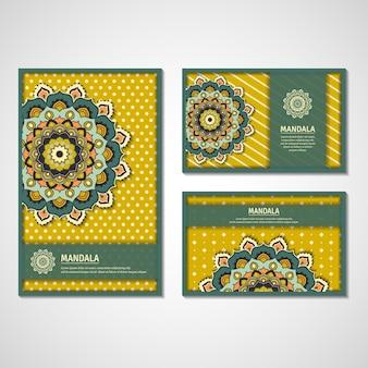 観賞用カード、カラフルな花曼荼羅とチラシのセットです。ヴィンテージの装飾的な要素。インド、アジア、アラビア、イスラム、オットマンのモチーフ。