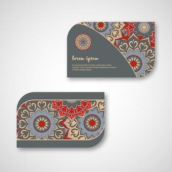 観賞用の手描きマンダラカード、ビジネス、訪問テンプレートのセットです。ヴィンテージの装飾的なスタイル。インド、アジア、アラビア、イスラム、オットマンのモチーフ。