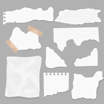 紙のさまざまな形のスクラップのセット。破れた紙、破れたページの破片、スクラップブックのメモ用紙