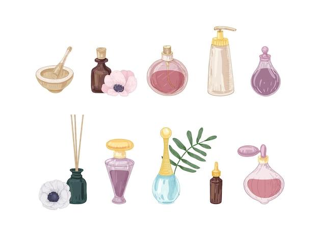 白い背景で隔離のガラス瓶とフラスコの香水製品のセット。フレグランス、トイレの水、エッセンシャルオイル、線香、乳鉢、乳棒の絵の束。ベクトルイラスト。
