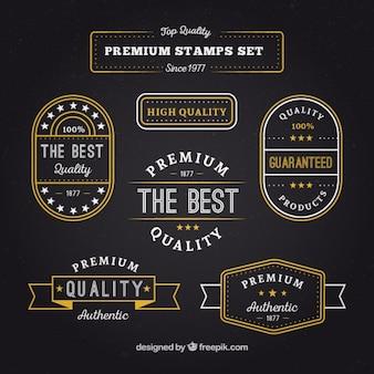 金色の詳細と品質のプレミアムバッジのセット