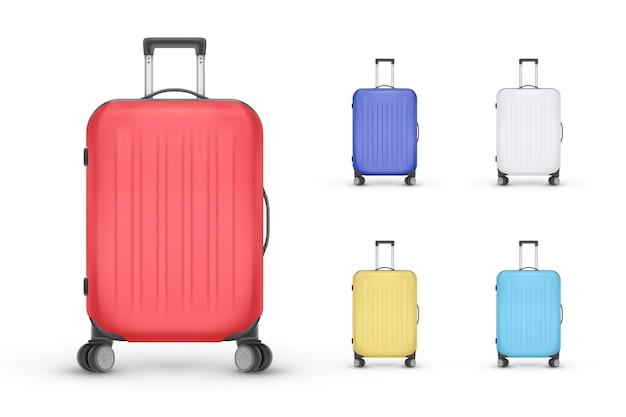 現実的なプラスチック製のスーツケースのセット。白い背景、イラストのトラベルバッグ