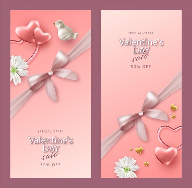 Набор реалистичных баннеров на день святого валентина. праздничная композиция с фарфоровыми птицами, цветами и сердечками