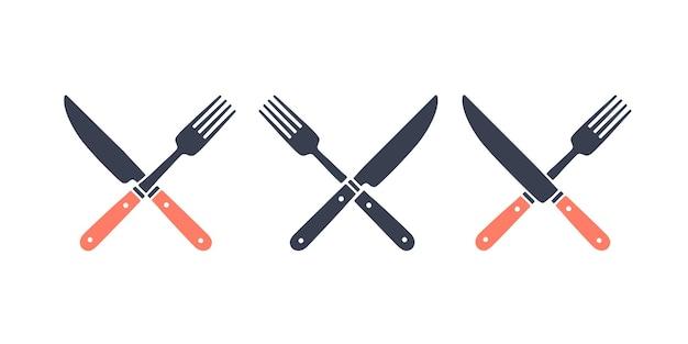 Набор ресторанного ножа, вилки. силуэт два инструмента resraraunt, нож, вилка. шаблон логотипа для продовольственного бизнеса - ресторан, кафе, продуктовый рынок или дизайн - этикетка, баннер, наклейка. векторные иллюстрации