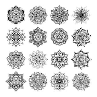 격리 된 흰색 배경에 라운드 만다라의 집합입니다. 흑백 색상의 벡터 힙스터 만다라입니다. 꽃무늬가 있는 만다라. 요가 템플릿입니다.