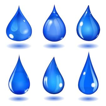飽和した青い色のさまざまな形の6つの不透明な滴のセット