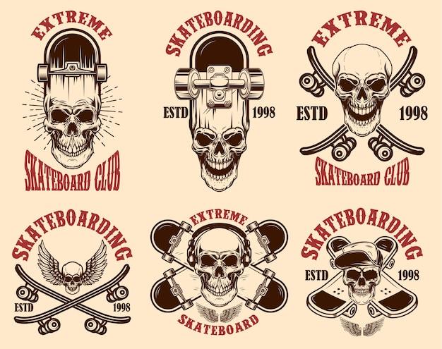 Набор эмблем клуба скейтбординга с черепами. элемент дизайна для плаката, логотипа, знака, этикетки, футболки. векторная иллюстрация