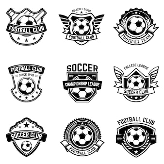 サッカー、フットボールのエンブレムのセットです。ロゴ、ラベル、エンブレム、記号の要素。図