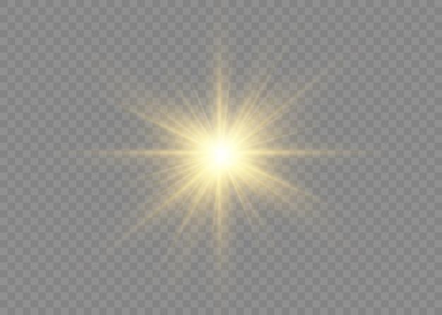 광채가있는 별 세트입니다. 광선 및 스포트 라이트와 함께 태양의 섬광. 노란색 빛나는 조명과 별. 투명 배경에 고립 된 특수 효과입니다. 삽화.