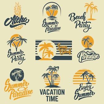 手のひらで夏のエンブレムのセットです。エンブレム、サイン、ロゴ、ラベル、バッジ。画像