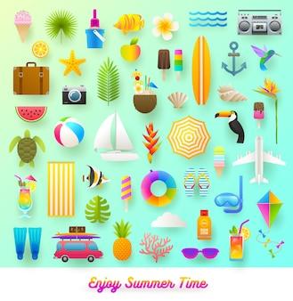 여름 휴가 및 여행 항목 평면 스타일 일러스트 세트