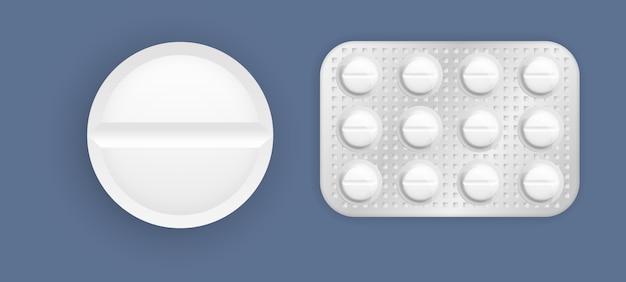 포장에서 태블릿의 집합입니다. 약 알약 및 캡슐 팩, 흰색 3d 약물 및 비타민. 3d 의약품 포장 : 진통제, 항생제, 비타민 및 아스피린 정제.