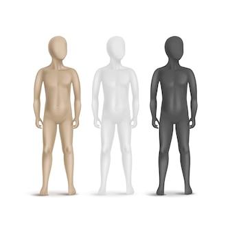 白い背景に分離された3つの子マネキンのセット