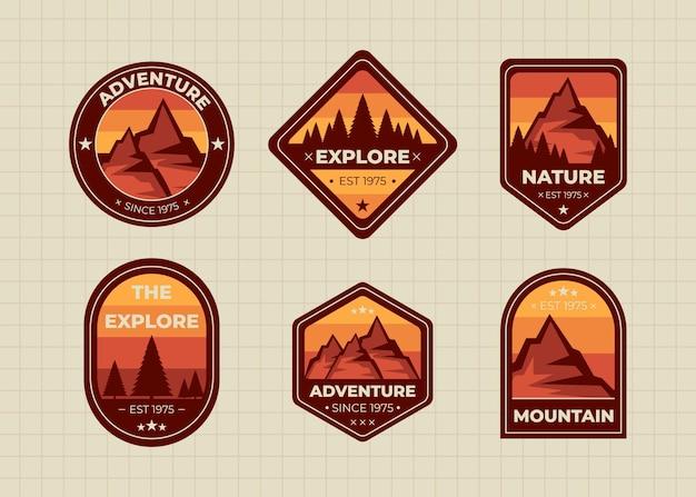旅行とキャンプバッジの概念設計図のセット