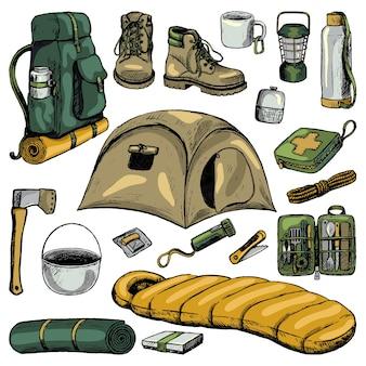 여행 속성, 관광 액세서리의 집합입니다. 스케치 스타일의 캠핑, 하이킹 테마 컬렉션입니다. 손으로 그린 벡터 일러스트 레이 션. 흰색 절연 컬러 만화 요소