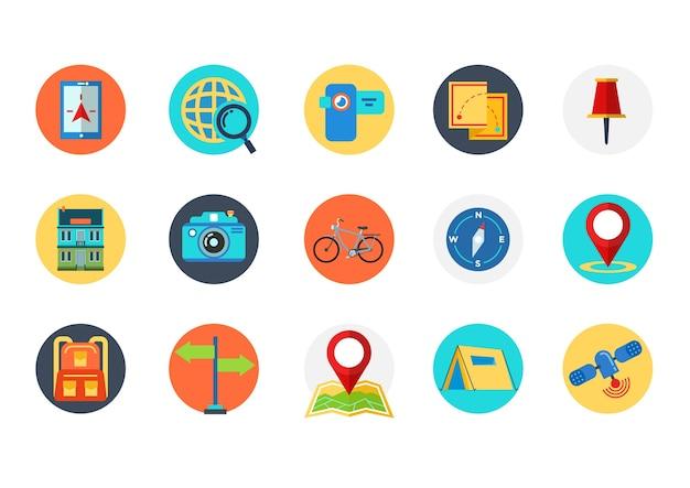 多くのシンボルを持つ旅行アイコンのセット