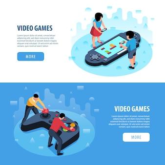 사람과 조이스틱 두 개의 아이소 메트릭 비디오 게임 가로 배너 세트