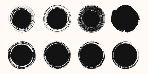 ベクトル円形落書きフレームのセット、白い背景で隔離の暗い円を落書きします。