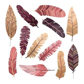 幾何学的な装飾が施された自由奔放に生きるスタイルのベクトル羽のセットです。フラットスタイル
